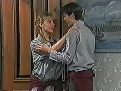 Melissa Jarrett, Todd Landers in Neighbours Episode 1040