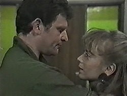 Des Clarke, Jane Harris in Neighbours Episode 1043