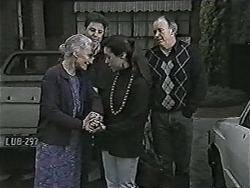 Mary Crombie, Joe Mangel, Kerry Bishop, Darryl Crombie in Neighbours Episode 1045