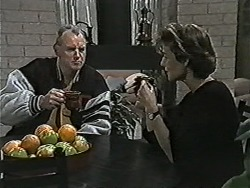 Jim Robinson, Gail Robinson in Neighbours Episode 1046