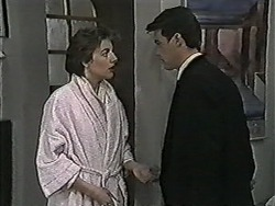 Gail Robinson, Paul Robinson in Neighbours Episode 1047