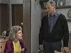 Beverly Marshall, Jim Robinson in Neighbours Episode 1047