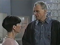 Hilary Robinson, Jim Robinson in Neighbours Episode 1047