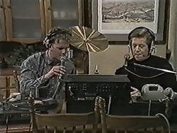 Henry Ramsay, Clive Gibbons in Neighbours Episode 1047