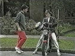 Matt Robinson, Mike Young in Neighbours Episode 1048