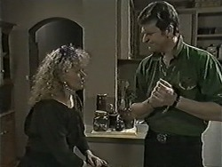 Sharon Davies, Des Clarke in Neighbours Episode 1050