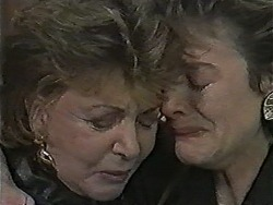 Gloria Lewis, Gail Robinson in Neighbours Episode 1050