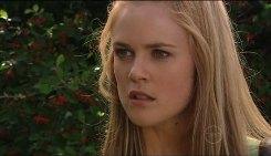 Elle Robinson in Neighbours Episode 5029