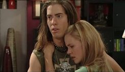Dylan Timmins, Elle Robinson in Neighbours Episode 5029