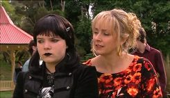 Bree Timmins, Janelle Timmins in Neighbours Episode 5029