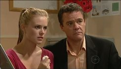 Elle Robinson, Paul Robinson in Neighbours Episode 5031