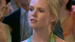 Elle Robinson in Neighbours Episode 5196