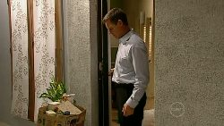 Paul Robinson in Neighbours Episode 5199