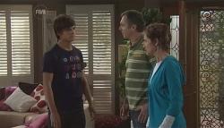 Zeke Kinski, Karl Kennedy, Susan Kennedy in Neighbours Episode 5647
