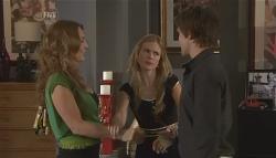 Cassandra Freedman, Elle Robinson, Mark Chaplin in Neighbours Episode 5648