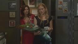 Rebecca Napier, Elle Robinson in Neighbours Episode 5648