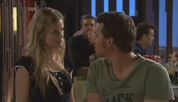Elle Robinson, Paul Robinson, Lucas Fitzgerald in Neighbours Episode 5648