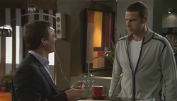 Paul Robinson, Andrew Simpson in Neighbours Episode 5650