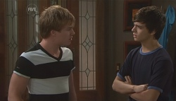 Ringo Brown, Zeke Kinski in Neighbours Episode 5652