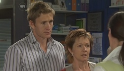 Dan Fitzgerald, Susan Kennedy, Dr Veronica Olenski in Neighbours Episode 5652