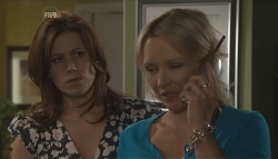 Rebecca Napier, Steph Scully in Neighbours Episode 5653
