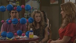 Simon Freedman, Tegan Freedman, Cassandra Freedman in Neighbours Episode 5654