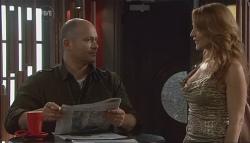 Steve Parker, Cassandra Freedman in Neighbours Episode 5658