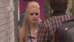 Melissa Evans, Zeke Kinski in Neighbours Episode 5659