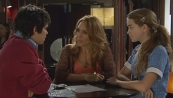 Simon Freedman, Cassandra Freedman, Tegan Freedman in Neighbours Episode 5659