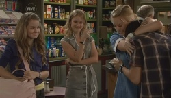 Tegan Freedman, Elle Robinson, Donna Freedman, Simon Freedman in Neighbours Episode 5660