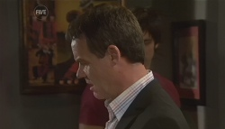 Paul Robinson in Neighbours Episode 5660