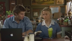 Declan Napier, Donna Freedman in Neighbours Episode 5661