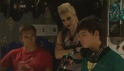 Dan Fitzgerald, Melissa Evans, Zeke Kinski in Neighbours Episode 5663
