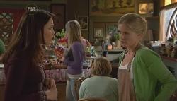 Libby Kennedy, Elle Robinson in Neighbours Episode 5665