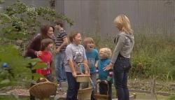 Libby Kennedy, Ben Kirk, Declan Napier, Callum Jones, Mickey Gannon, Charlie Hoyland, Steph Scully in Neighbours Episode 5665