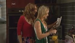Cassandra Freedman, Donna Freedman in Neighbours Episode 5667