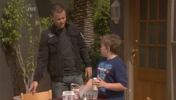 Guy Sykes, Callum Jones in Neighbours Episode 5668