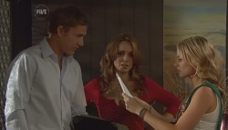 Dan Fitzgerald, Cassandra Freedman, Donna Freedman in Neighbours Episode 5668