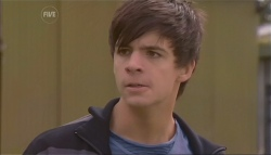 Zeke Kinski in Neighbours Episode 5668