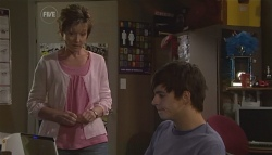 Susan Kennedy, Zeke Kinski  in Neighbours Episode 5669