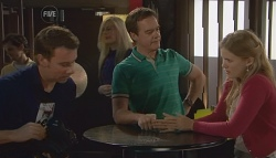 Lucas Fitzgerald, Paul Robinson, Elle Robinson  in Neighbours Episode 5669