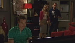 Paul Robinson, Elle Robinson, Lucas Fitzgerald  in Neighbours Episode 5669