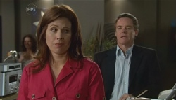 Rebecca Napier, Paul Robinson  in Neighbours Episode 5669