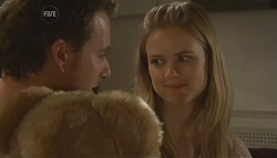 Lucas Fitzgerald, Elle Robinson in Neighbours Episode 5671