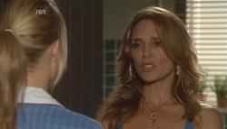 Donna Freedman, Cassandra Freedman in Neighbours Episode 5671