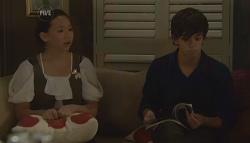 Sunny Lee, Zeke Kinski in Neighbours Episode 5672