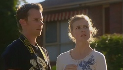 Lucas Fitzgerald, Elle Robinson in Neighbours Episode 5672