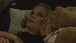 Elle Robinson in Neighbours Episode 5674