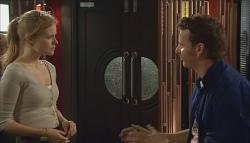 Elle Robinson, Lucas Fitzgerald in Neighbours Episode 5674