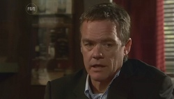 Paul Robinson in Neighbours Episode 5674